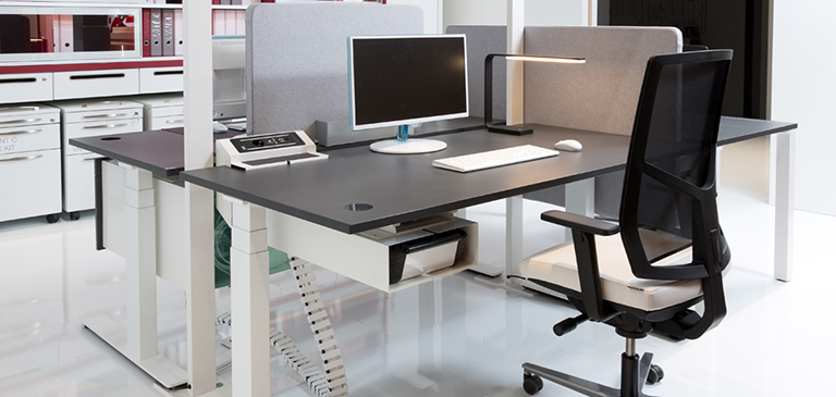 The desk is individually adjustable