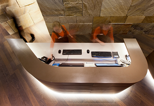 Light Creates Atmosphere at the Reception Desk