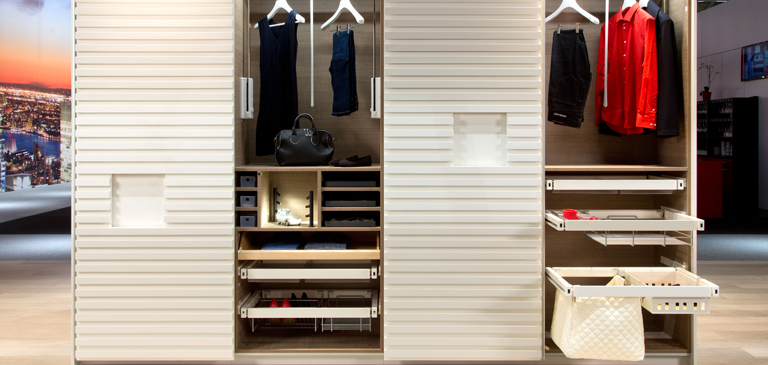 Practical and elegant: wardrobe with lots of storage space