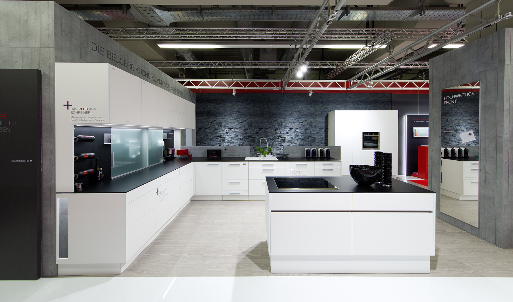 The kitchen with added value was in the spotlight of the Häfele exhibition appearance.