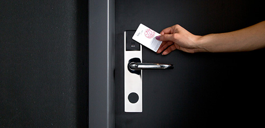 Häfele hotel room door – individual, versatile and secure