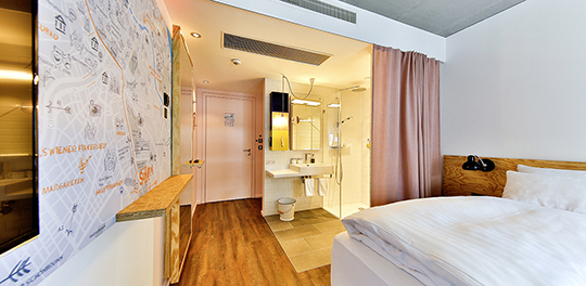 Despite their compact size, the 125 hotel rooms make an extremely spacious impression.