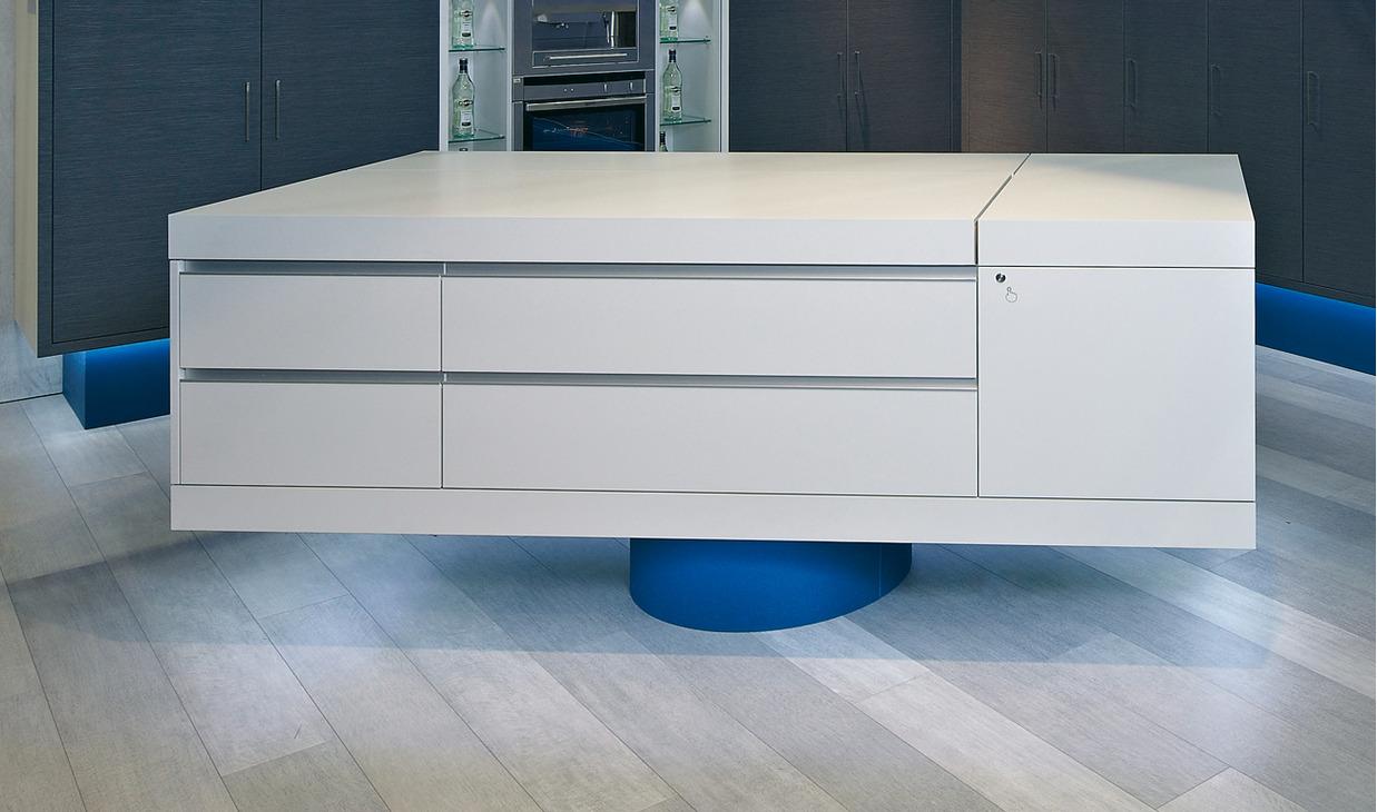 drehbeschlag f r korpus 340 drehbar online bei h fele. Black Bedroom Furniture Sets. Home Design Ideas