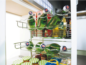 Bottle rack, for base unit pull-out