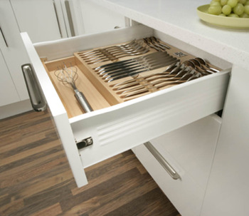 Drawer side runner system, single-walled, Häfele Matrix Box Single A25, single extension, height 86 mm, white aluminium, RAL 9006