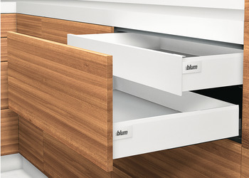 Front pull-out, Blum Tandembox intivo, system height L, drawer side height 101 mm, load-bearing capacity 30 kg