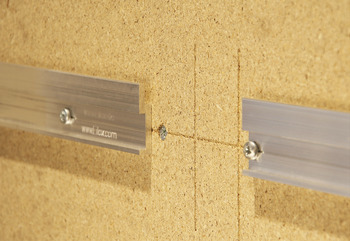 Hook-in profile, Eilox panel mounting system