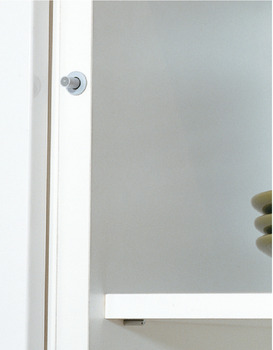 Soft closing mechanism for doors, Smove, for installation in side panels opposite the hinge side